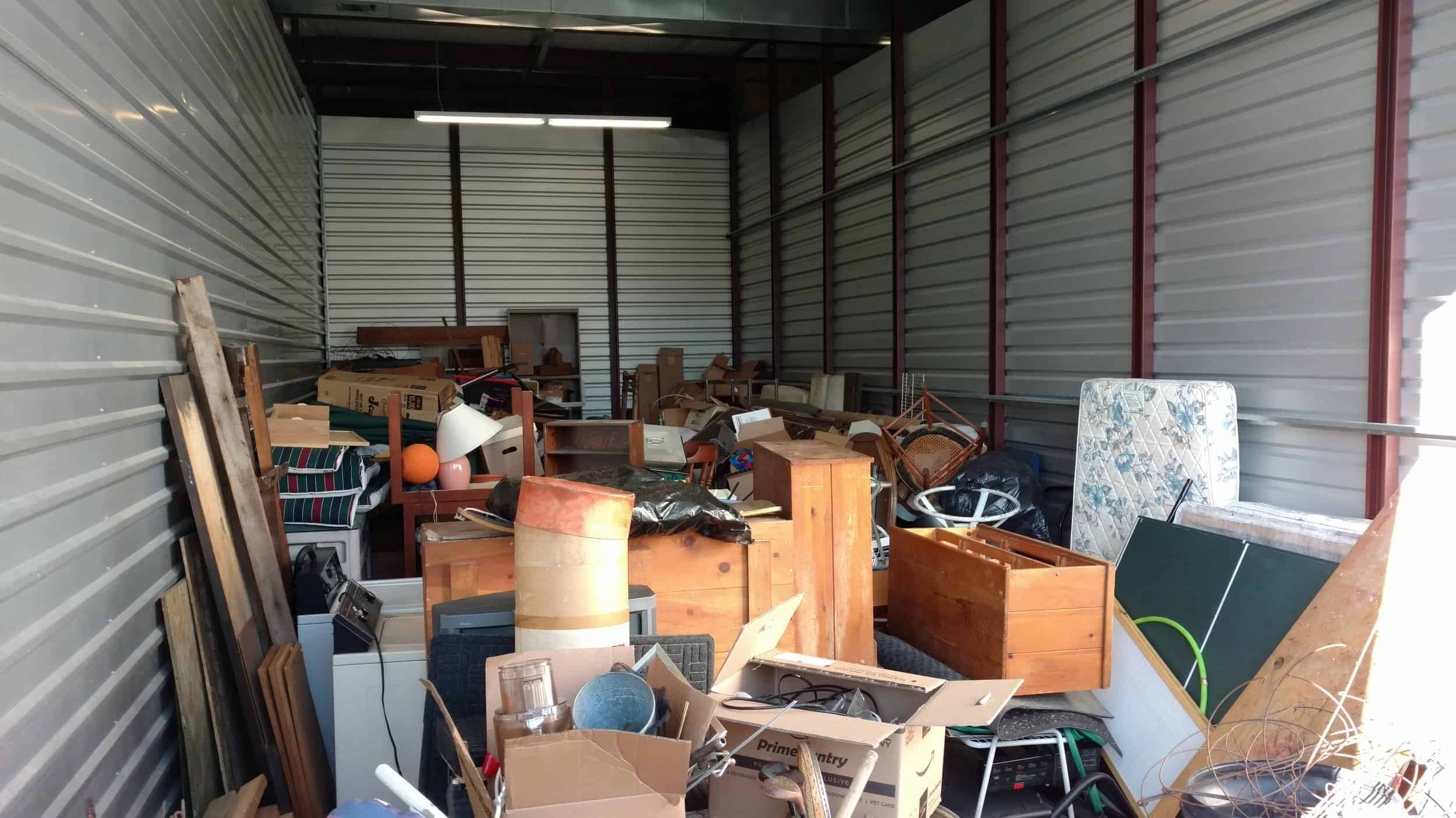 Commercial Junk Removal: Trusting the Pros to Help Eliminate Old Equipment and Furniture
